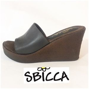 SBICCA BROWN Naomi WEDGE  NEW 9